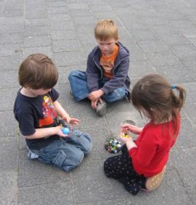 nenos_xogando