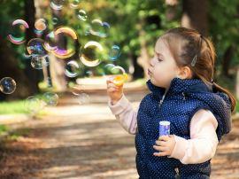 Dende os 6 anos a percepción dos estereotipos de xénero comeza a limitar as aspiracións profesionais das nenas